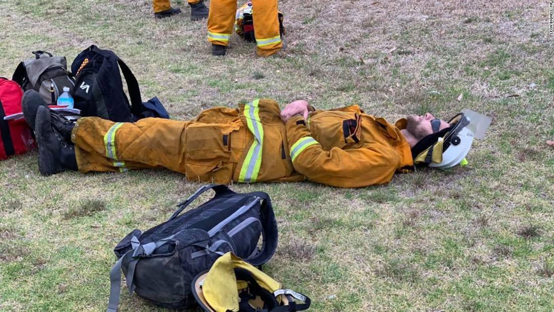 バイオテクノロジーに関する排ア消防士にか闘山火事