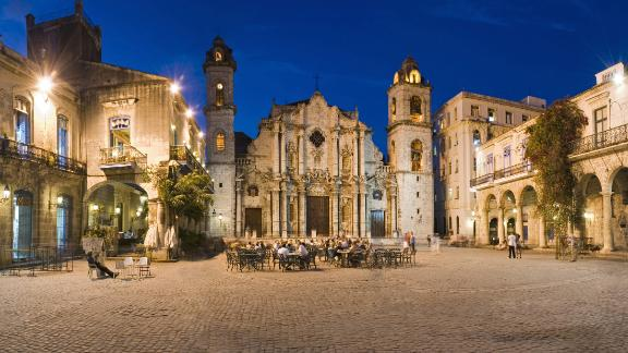 La Habana Vieja. Tour groups get to walk the streets of Old Havana, spotting the Cathedral of Havana and the plaza that bears its name.