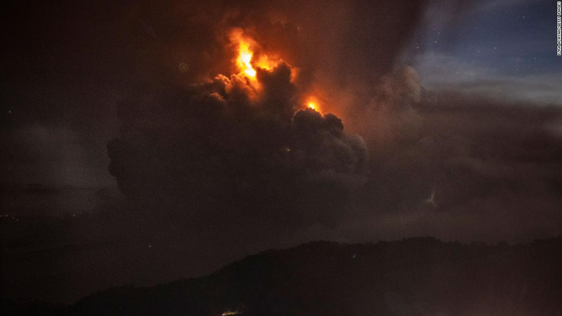 Residents urged not to return home as Philippines volcano continues to spew ash, lava fountains