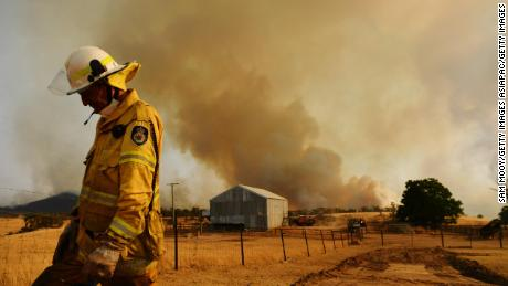 Australian fires 'contained' for first time in New South Wales