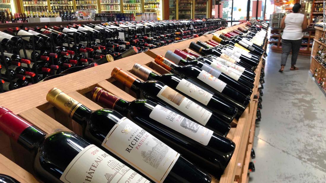 Οι αμερικανοί πίνουν λιγότερο κρασί