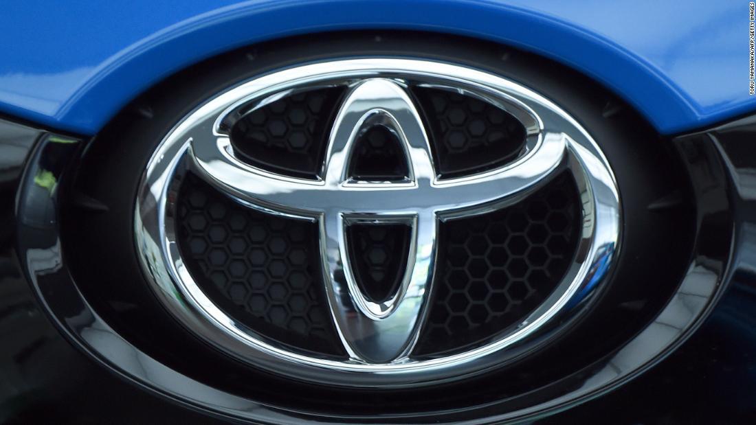 Η Toyota είναι υπενθυμίζοντας 700.000 οχήματα λόγω αντλία καυσίμου θέματα