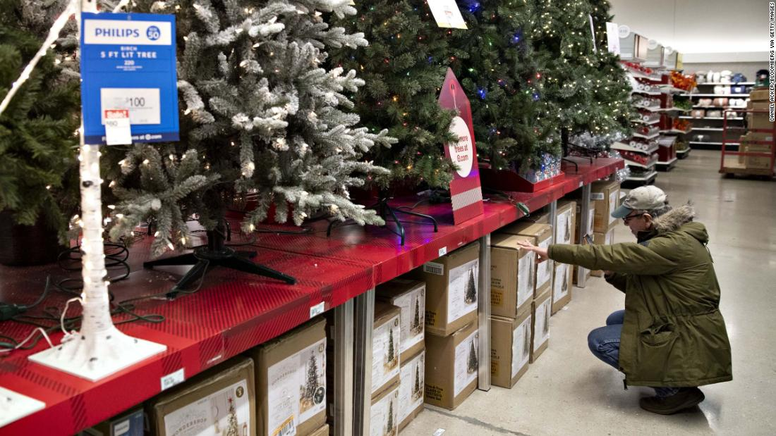 Target reports disappointing holiday