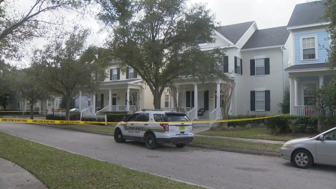 フロリダ人の告白を殺害妻と3子ども、警察は言う