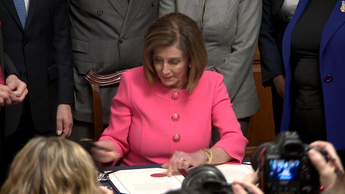 深夜のスローストナンシー Pelosiのimpeachment式