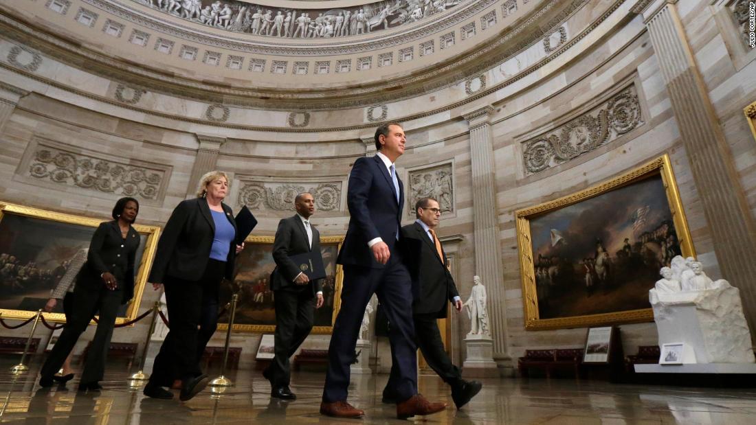 Top-Demokraten drängen Senat Amtsenthebungsverfahren Zeugen