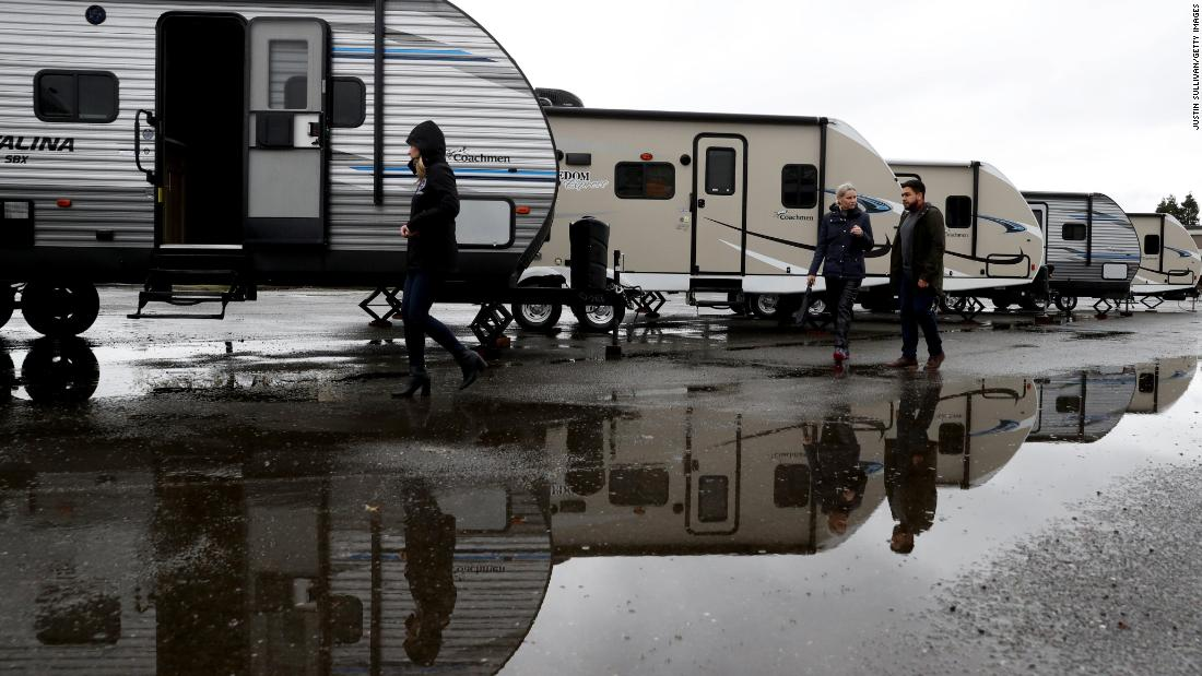 California will provide trailers and tents to the homeless under new executive order