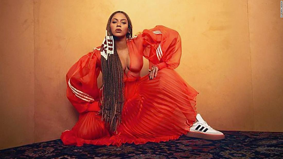 Beyoncé滴新品の衣類ラインを発信するインターネットフレンジー