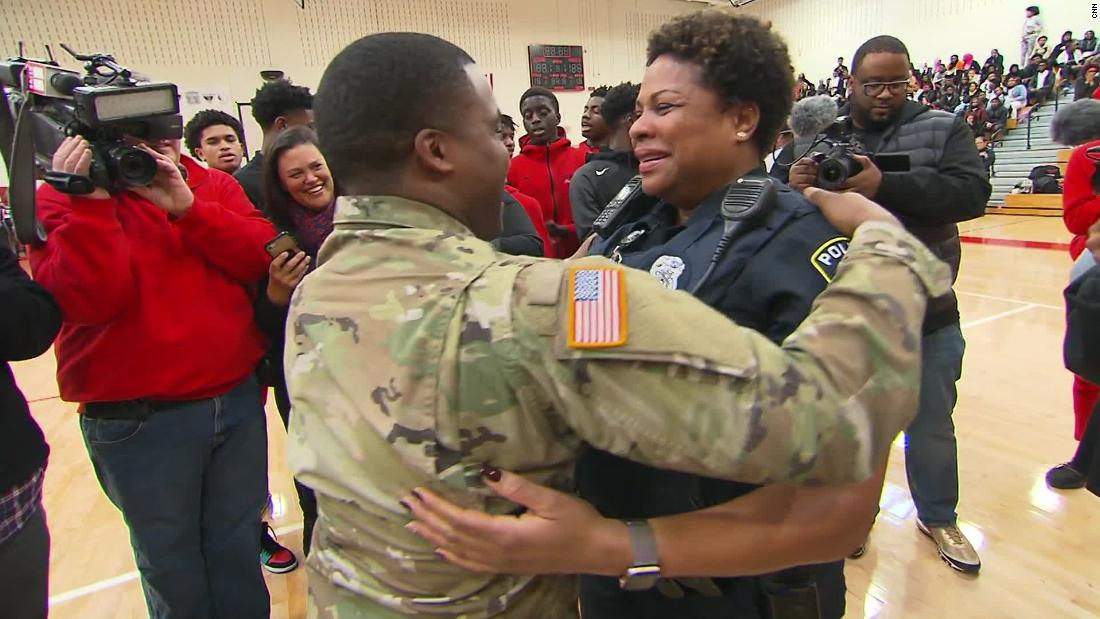 Soldier surprises his mom after not seeing her for two years