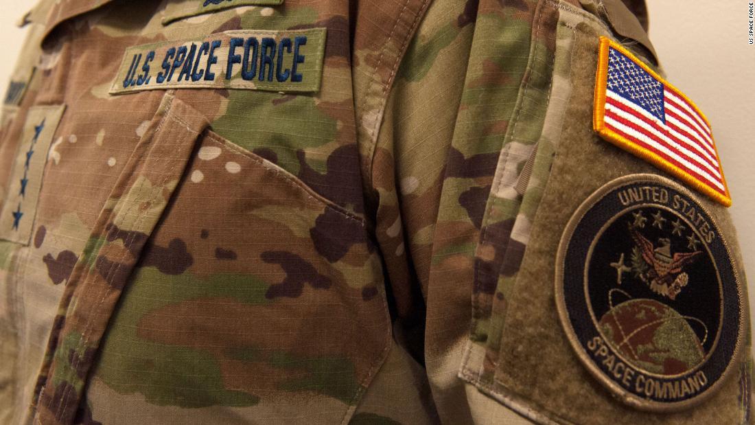US-Space-Force zeigt seine utility-uniform, und das internet hat Dinge darüber zu sagen