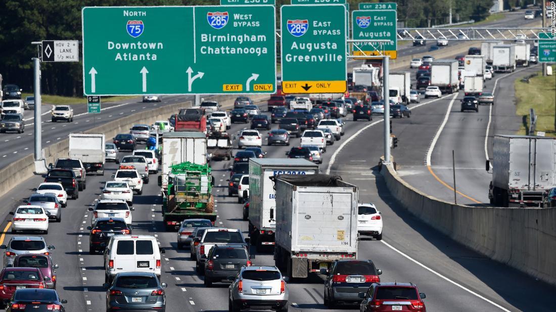 Dieser Zustand hielt einen Wettbewerb für die bessere Autobahn-Hinweisschilder. Die Gewinner sind urkomisch