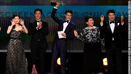 So-dam Park, Sun-kyun Lee, Woo-sik Choi, Jeong-eun Lee, and Kang-ho Song accept Outstanding Performance by a Cast in a Motion Picture for 'Parasite' onstage during the 26th Annual Screen Actors Guild Awards at The Shrine Auditorium on January 19, 2020 in Los Angeles, California.