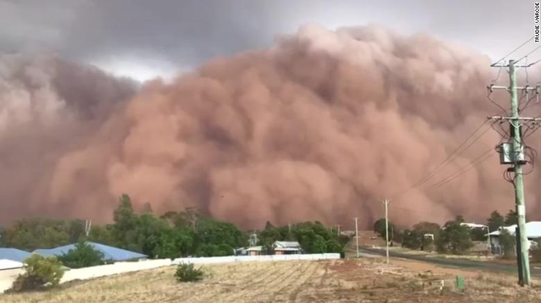 A dust storm descending on the New South Wales town of Parkes in Australia.