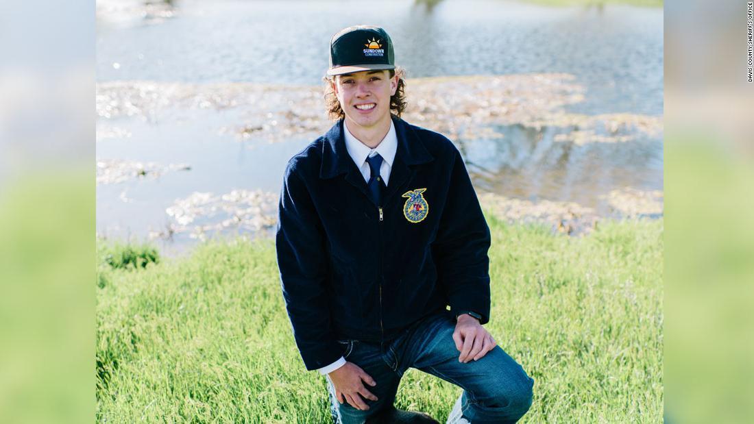 Teen snowmobiler stirbt nach der Verschüttung in einer Lawine
