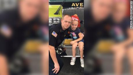 Six-year-old Madalyn Karlbon helped save her family during a house fire.