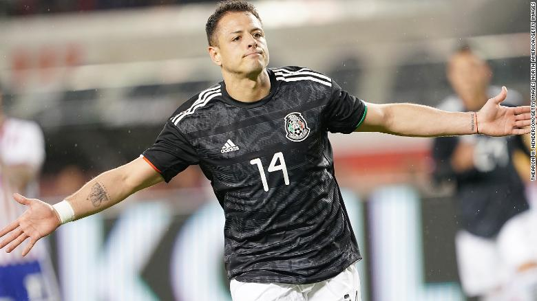 Javier Hernandez เป็นผู้ทำประตูชั้นนำตลอดกาลของเม็กซิโกและเป็นหนึ่งในผู้เล่นที่ยิ่งใหญ่ที่สุดเท่าที่เคยมีมา