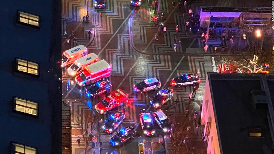 1人が死亡し、5傷ダウンタウンシアトル撮影