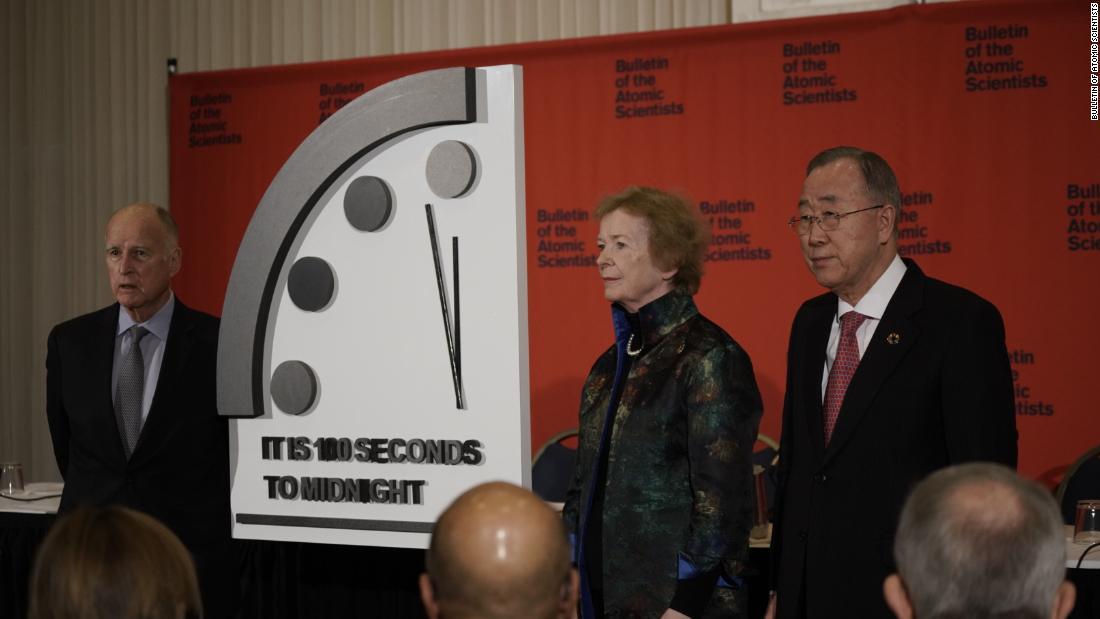 Was die 'Doomsday Clock' bedeutet und warum es schlimm, wenn wir kurz vor Mitternacht