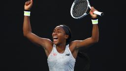 Coco Gauff étonne Naomi Osaka pour atteindre le quatrième tour de l'Open d'Australie