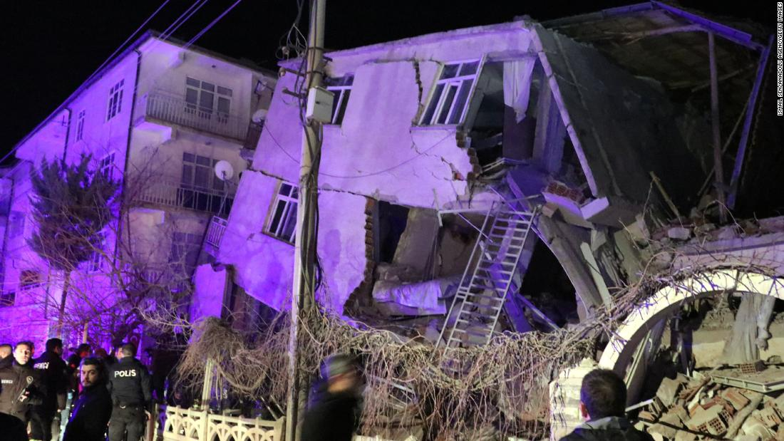 At least 22 dead, more than 1,200 injured in Turkey earthquake