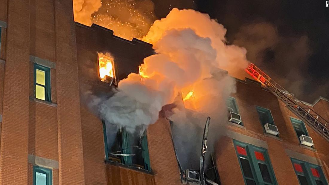 火災を奪ニューヨーク博物館の中国のアメリカンライフ