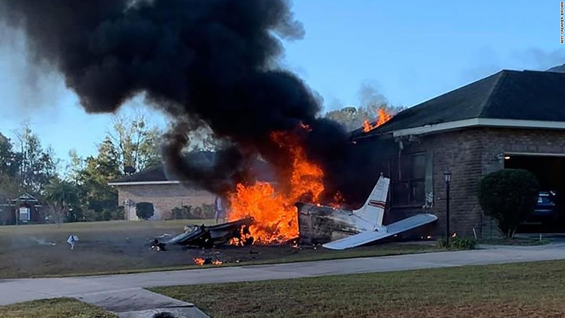 Small plane crashes in Florida neighborhood and sets home on fire