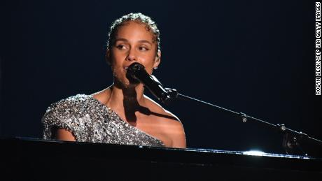 Alicia Keys performs during the 62nd Grammy Awards (Photo by ROBYN BECK/AFP via Getty Images)