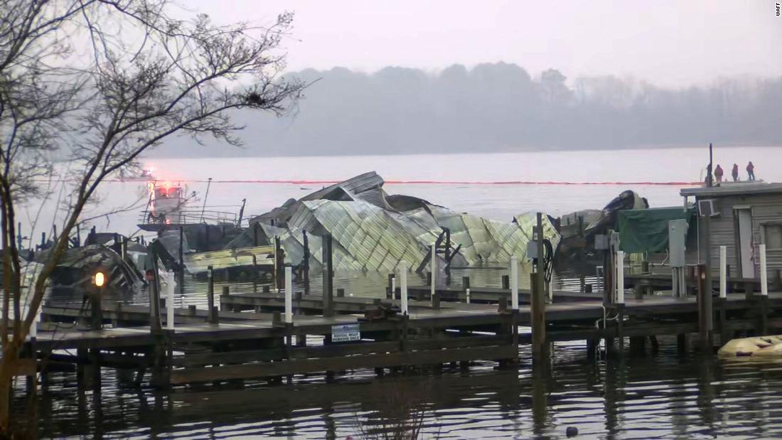 二死亡、その他不足としてボートの燃焼にアラバマ