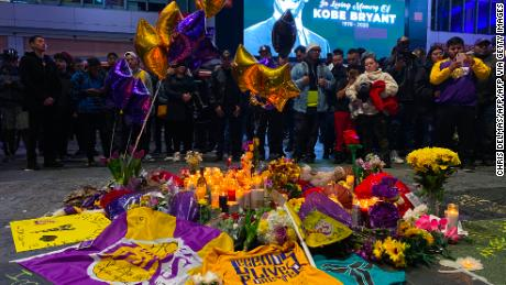 The world reacts to Kobe Bryant's death