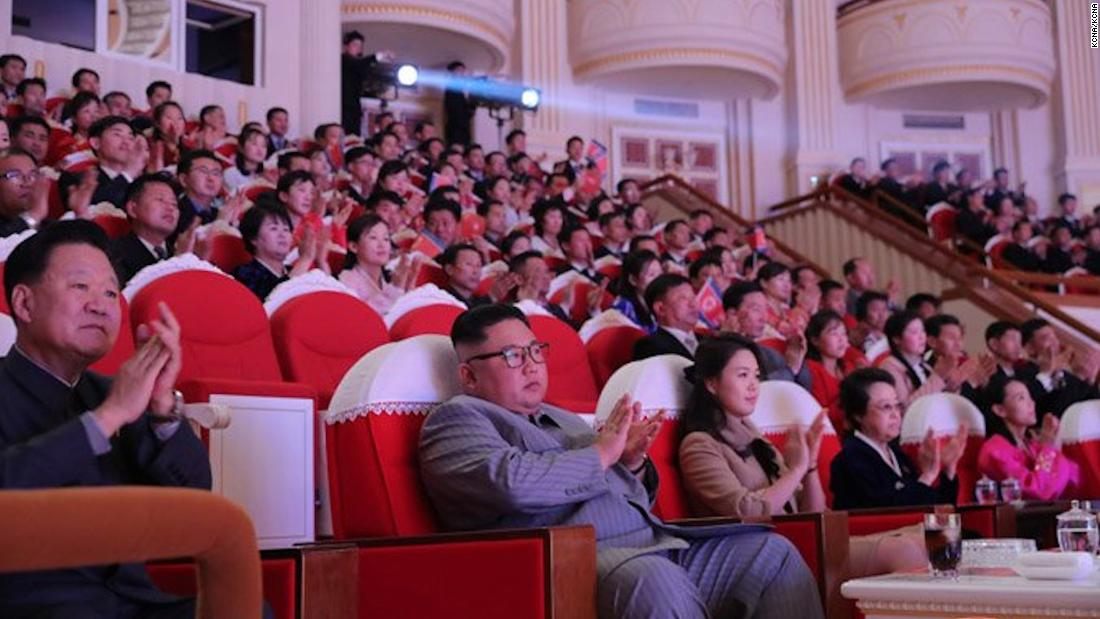 Kim Jong Un είναι η θεία εμφανίζεται δημόσια για πρώτη φορά από τότε που ο σύζυγός της ήταν που εκτελέστηκαν το 2013