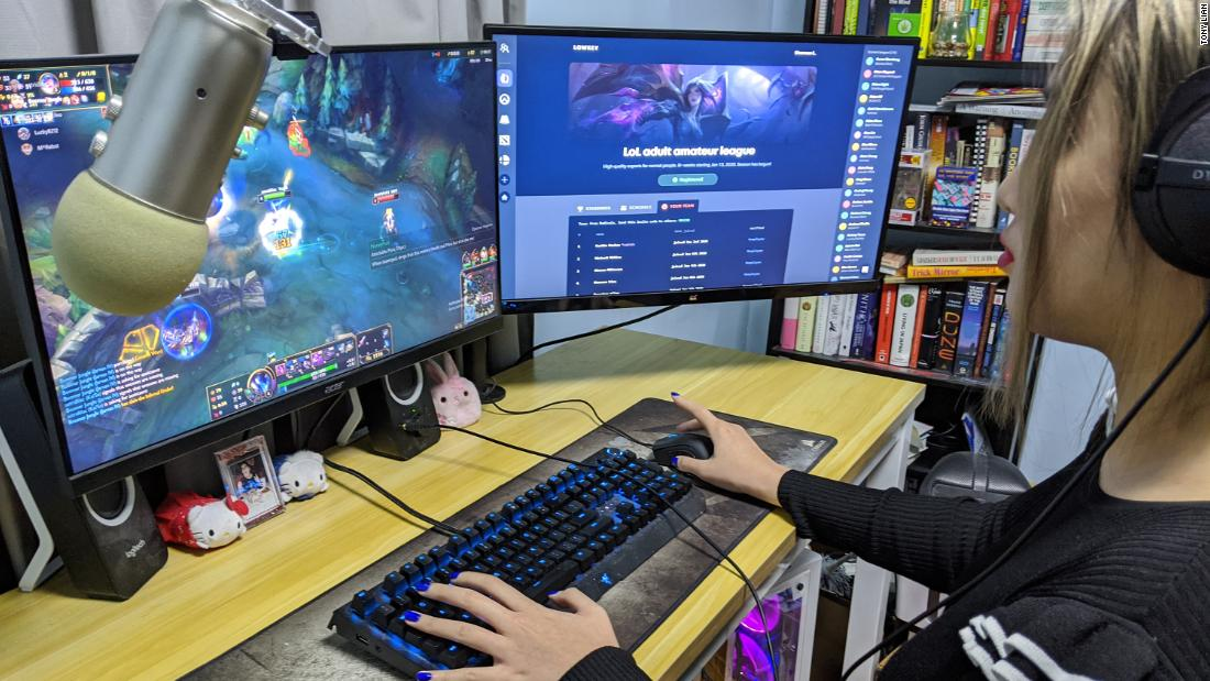 A 22-year-old Harvard grad launched his own amateur esports company for adult gamers - CNN