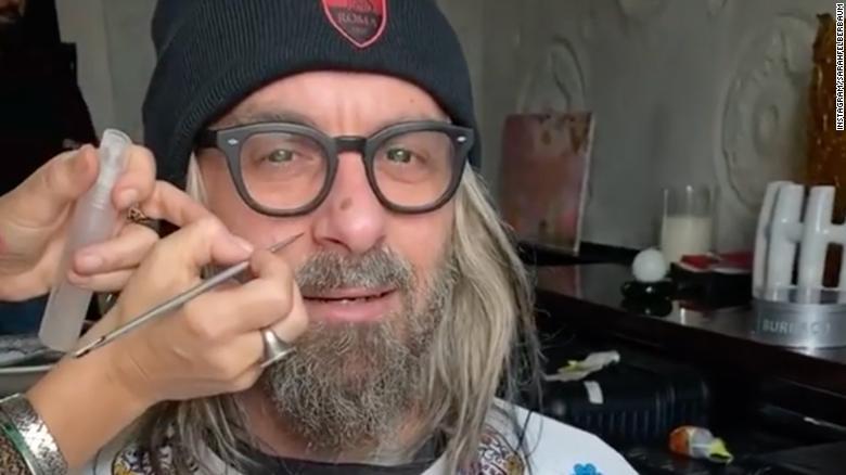 ผลการค้นหารูปภาพสำหรับ Daniele de Rossi wears impressive disguise to attend Rome derby