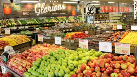 How a beloved organic grocery chain collapsed