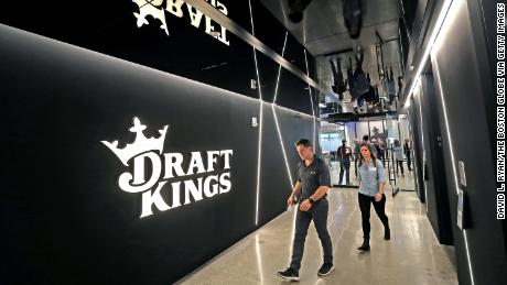 DraftKings hopes to cash in at the Super Bowl and on Wall Street