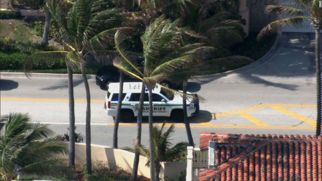 Suspects arrested after SUV breaches Mar-a-Lago security thumbnail