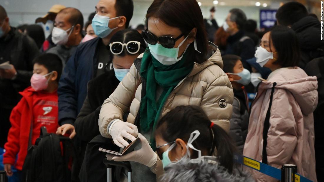 中国全土より300人以上の人々が死んでからcoronavirus