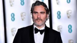 Joaquin Phoenix dénonce le «racisme systémique» de l'industrie cinématographique dans le discours de la BAFTA