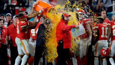 Obtenez le vôtre maintenant, gagnants du Super Bowl
