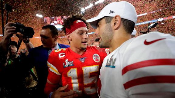 Mahomes speaks with San Francisco quarterback Jimmy Garoppolo after the game.