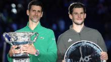 Djokovic (stânga) l-a învins pe Thiem în cinci seturi, după ce a finalizat cu 2-1 împotriva austriacului în finală.