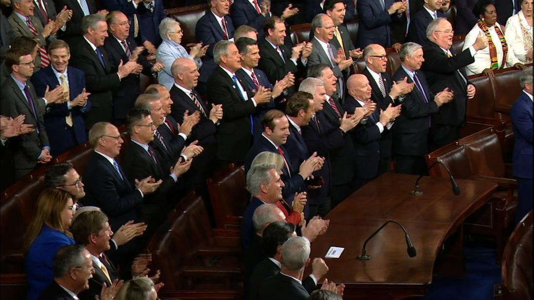 Ρεπουμπλικανικό νομοθέτες άσμα για να δείξει την υποστήριξη για Trump