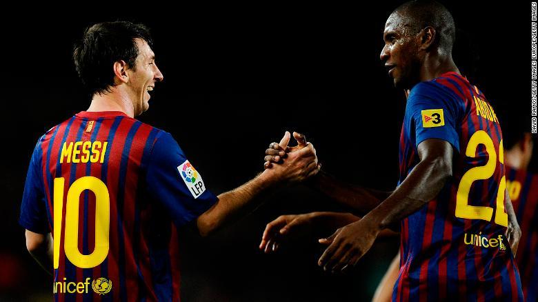Lionel Messi และ Eric Abidal เป็นเพื่อนร่วมทีมที่บาร์เซโลนา