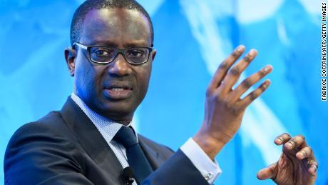 Le PDG du Credit Suisse, Diggen Thiam, a démissionné à la suite d'un scandale de corruption