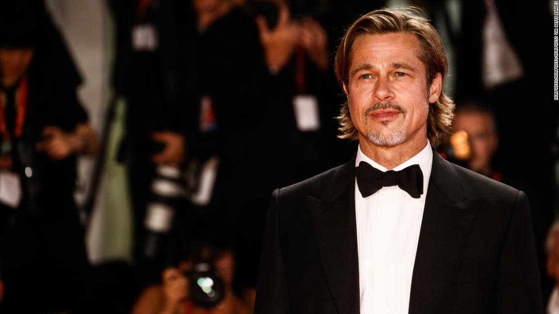 Es gibt etwas über Brad Pitt wieder ...