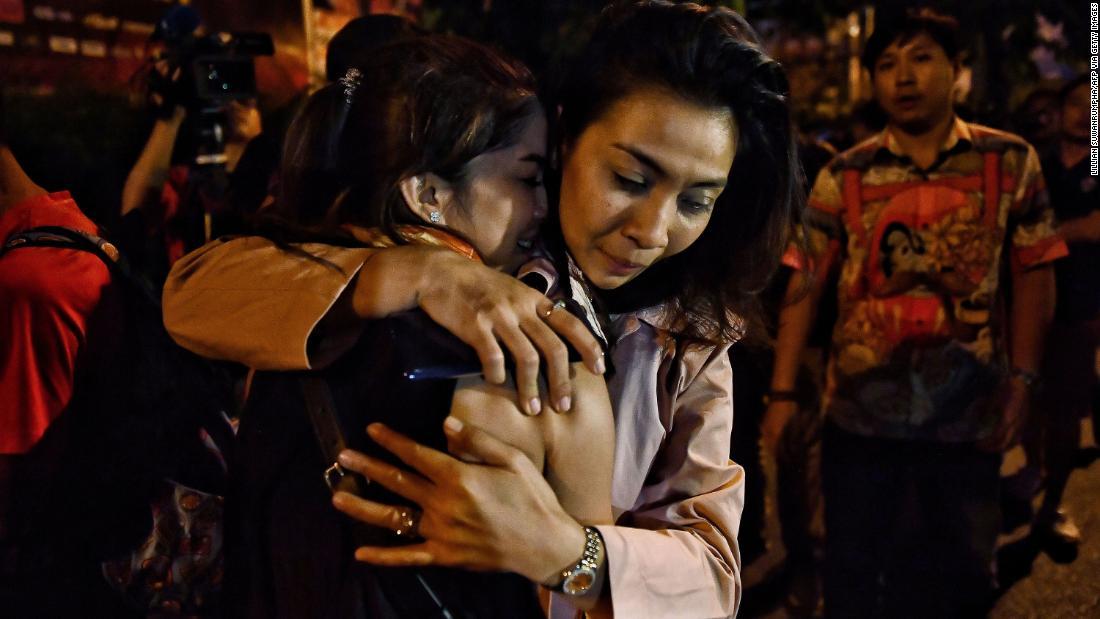 Thai prajurit tewas setelah menembak mati setidaknya 21 orang di sebuah mall perbelanjaan