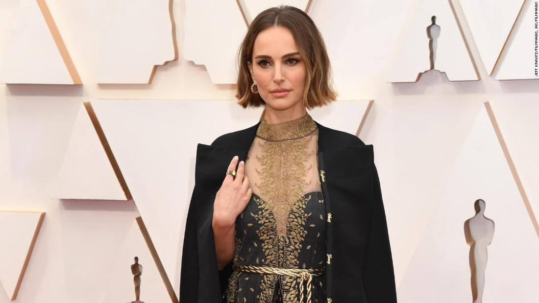 See the highlights of the 2020 Oscars red carpet