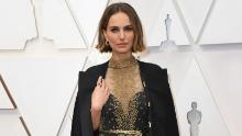 Natalie Portman arriva all'Oscar domenica 9 febbraio 2020, al Dolby Theatre di Los Angeles. (Foto di Richard Shotwell / Invision / AP)