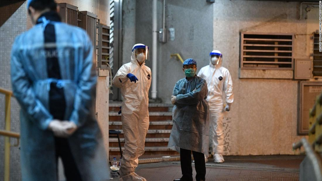 WHO team arrives in China as Wuhan coronavirus deaths top SARS