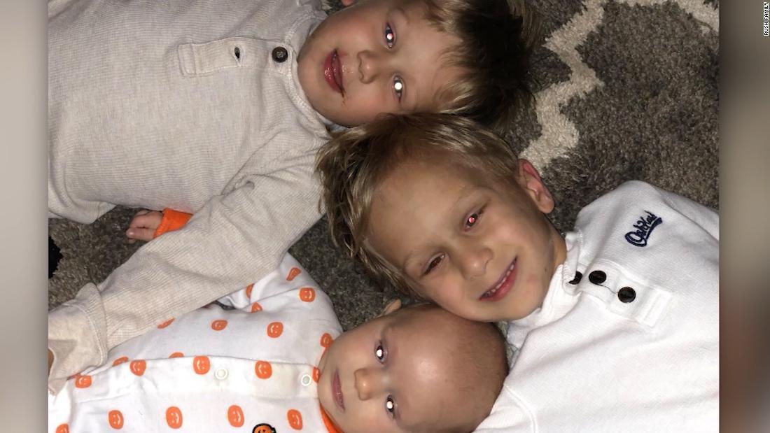 Τρία νεαρά αδέρφια αγωνίζονται την ίδια σπάνια, ο καρκίνος της παιδικής ηλικίας