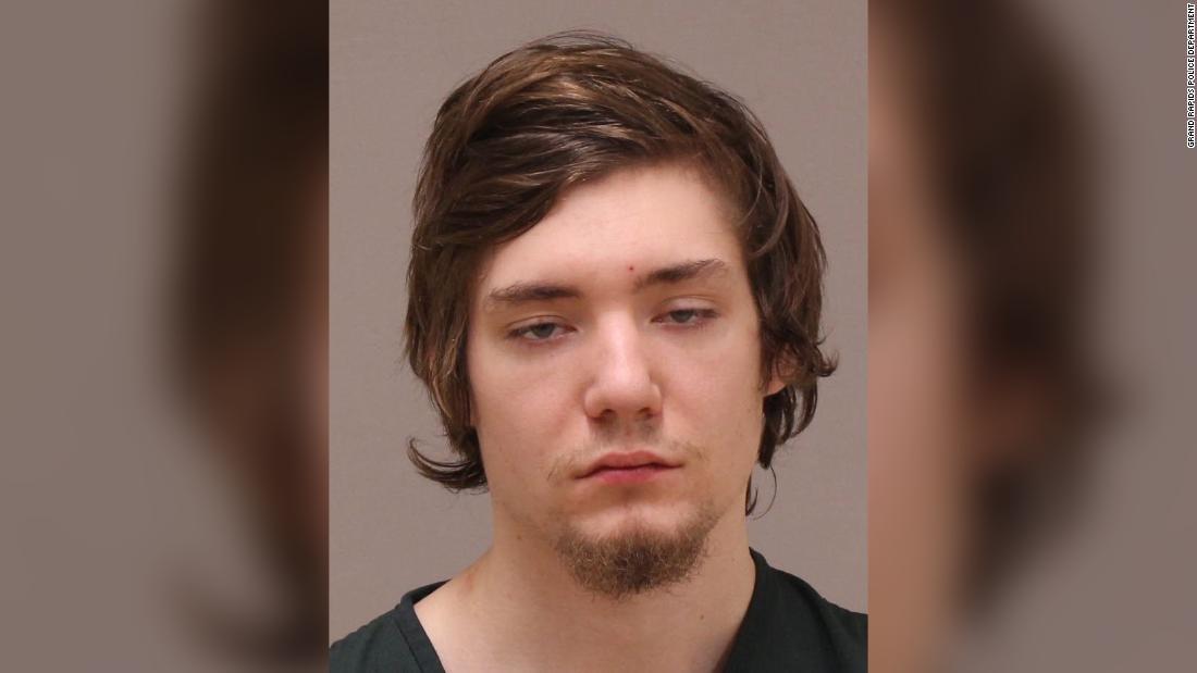 Άντρας μπαίνει στο σπίτι και να μαχαιρώνει 11-year-old σε